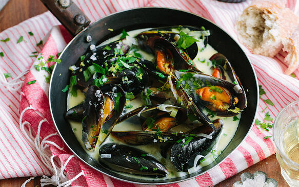 West Coast mussels with white wine, leeks, lemon & cream