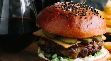 BEEF BURGER WITH BALSAMIC ONIONS, MATURE CHEDDAR AND PICKLES